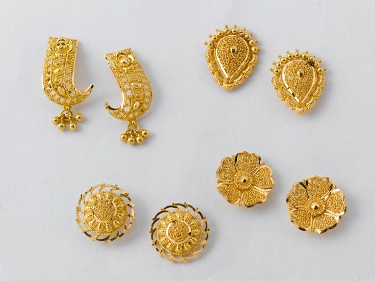 Dazzling Pairs Of Earrings From The Gold Factory Prices Left To Right A 3 200