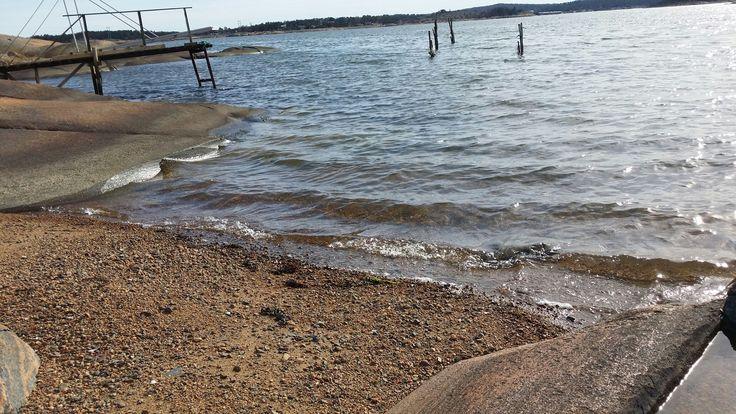 Strålende vær, glitrende sjø, 🐚 svak bris, båtliv, sjøfugl, bølgeskvulp, blå himmel& klar sikt.! 💙😊