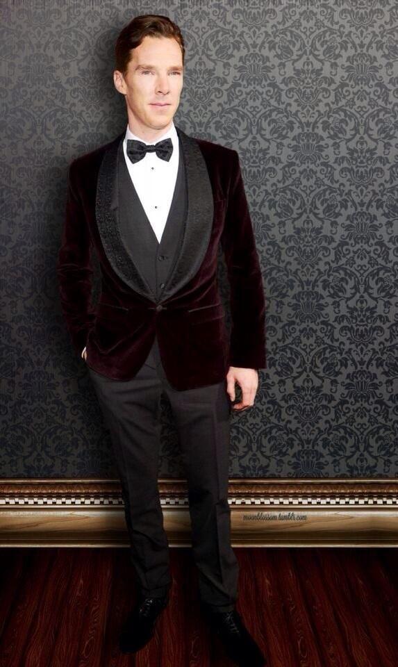 Cumberfan Ireland @CumberfansIrela 12h #BenedictCumberbatch at the #HobbitPremiere in that beautiful @Dolce & Gabbana suit at #TheHobbit premiere in LA. pic.twitter.com/BfXbpsECut