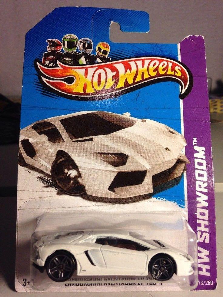 HOT WHEELS 2013 LAMBORGHINI AVENTADOR LP 700-4 White HW Showroom 2012 #HOTWHEELS #Lamborghini