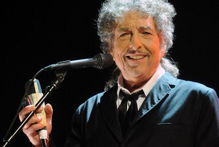 Der wichtigste Pop-Poet der Welt - Bob Dylan erhält als erster Sänger und Liedermacher den Nobelpreis für Literatur. Mehr dazu hier: http://www.nachrichten.at/nachrichten/kultur/Der-wichtigste-Pop-Poet-der-Welt;art16,2373833 (Bild: AP)