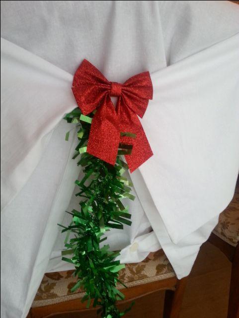 dekoracja krzesła na Święta lub ślub w terminie świątecznym wraz z własnoręcznie uszytym pokrowcem na krzesło