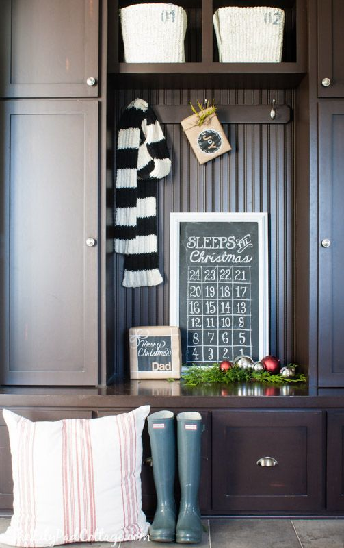 Christmas Chalkboard Countdown - cute Christmas idea for kids.