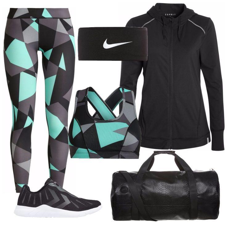 Un completo per il fitness, comodo e stiloso. Pantacollant con grafica optical, sui toni del nero, grigio e verde acqua, con top coordinato. Ai piedi delle comode sneakers nere, con suola pensata per l'allenamento in palestra. l'accessorio per chi ha i capelli da gestire: la fascia nera firmata Nike. Per il riscaldamento, una felpa nera con zip e cappuccio. Il tutto, accompagnato da una borsa da palestra nera, con una bellissima texture coccodrillata.