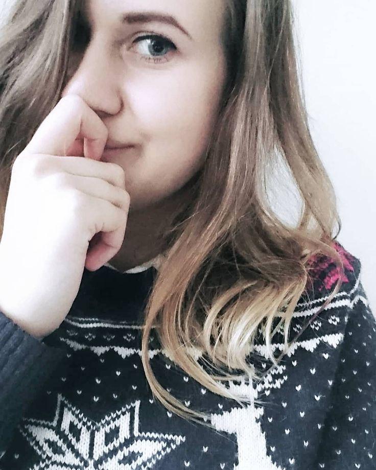 Coraz bliżej święta coraz bliżej święta.  #selfie #selfiegram #christmas #christmastime #christmassweater #christmasbreak #sweatherweather #me #ja #lawstudent #december #zima #święta #grudzień #winter #blog #blogerka #igers #igerslondon #photooftheday