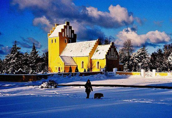 Church: Beautiful Houses, Design Churches, Village Church, Beautiful Places, Quaint Churches, Yellow Church, Churches Cathedrals, Worship