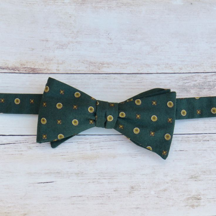 Dark Green Bow Tie   Self Tie Bow Tie   Cotton Bow Tie   Adjustable Strap Bow Tie   Mens Bow Tie   Boy Kid Bow Tie   Vintage Bow Tie by SuperBowDesign on Etsy https://www.etsy.com/uk/listing/487190253/dark-green-bow-tie-self-tie-bow-tie