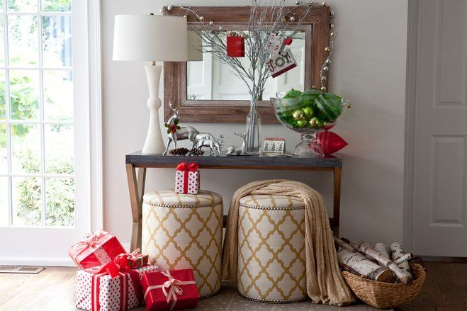 This organized entryway is perfectly decorated to reflect