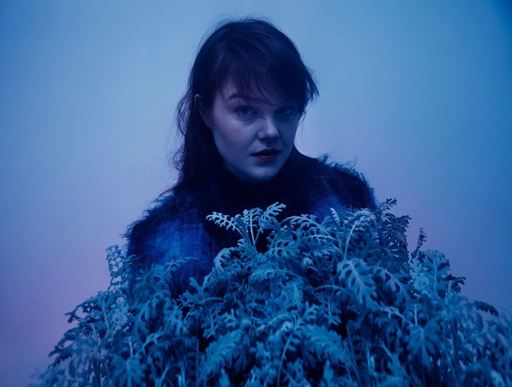 Oslo-based photographer and singer Sara Angelica launches her career with a brilliant piece of R&B-tinged electronica