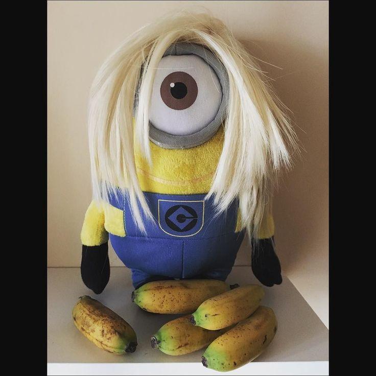 merenda!!! #time #banana  #bananagirl #minion  robedacartoon.it #robedacartoon  #eshop  #gadgets  #accessori #prodotti #abbigliamento #cartonianimati #cartoon  #cartoons #feste #merchandising ufficiale  % #giocattoli  #toys #peluche #peluches #animazione  #bambini  #gift #regali  #fun #game #play #minions #blondehair #minionsgram #yellow by robedacartoon