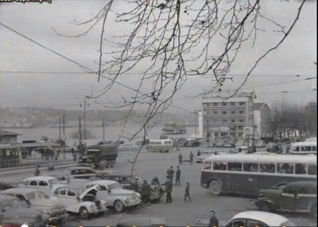 Üsküdar iskele arkadaki bina hacı baba restoran Gültekin mangit ten alınmıştır