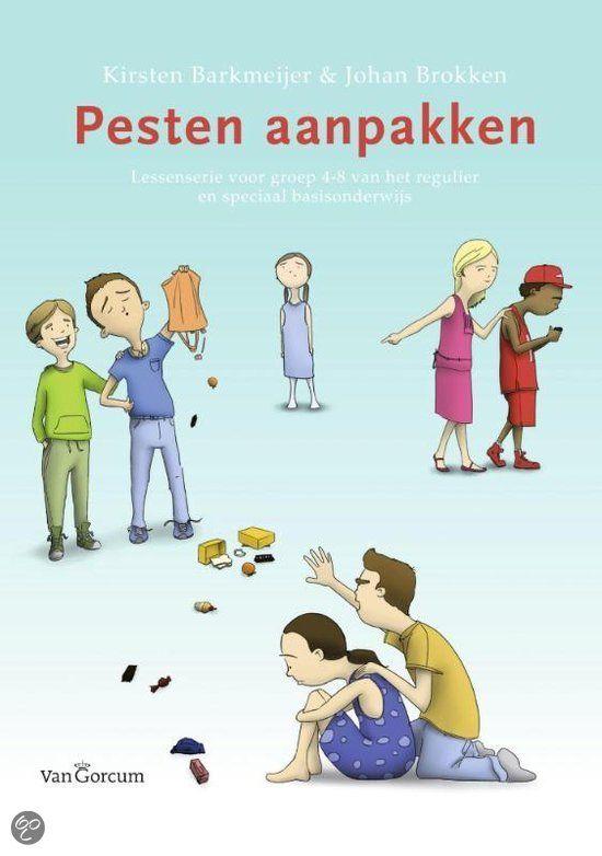 Pesten aanpakken - Auteur: Kirsten Barkmeijer&Johan Brokken - Gemiddeld tien procent van de kinderen in het basisonderwijs wordt gepest. Het onderwerp is regelmatig in het nieuws en steevast volgt dan de roep om een effectieve aanpak. Uit onderzoek blijkt dat niet alleen de pester of de gepeste, maar ook de omstanders een cruciale rol hebben. Zij doen vaak mee of kijken toe, maar ze kunnen pestgedrag ook een halt toeroepen. Bij deze groep valt daarom de meeste winst te behalen.