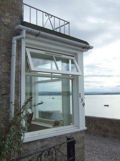 www.eileandubhcottage.co.uk Cottage.htm