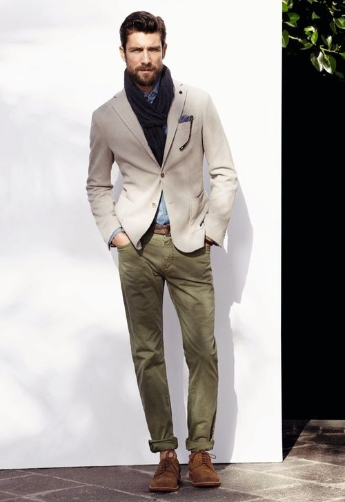 .Casual blazer, chinos, no socks, fitted.