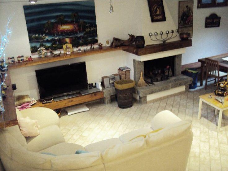 #Villasingola #Massa A81 2 liv. Soggiorno, ampia cucina, 5 camere, 3 bagni, studio. Pergolato, forno legna, allarme. Ben rifinita.