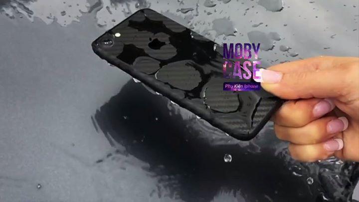 🚨SKin Carbon Dán Giả từ iphone 6-6plus y Chang Iphone 7 luôn ! Skin Dán có đầy đủ từ iphone 5 đến iphone 7 Plus luôn nhé ! 🔜Skin Dán Carbon rất thích hợp cho máy đen bóng - đen mờ của iphone 7-7Plus  vốn rất khó dán skin ! 🔜Skin Được cắt khuôn sẵn dành cho dán Iphone nhập trực tiếp từ Taiwan nên sẽ ko gây bong tróc logo iphone như Đề can dán xe ! 🔜Skin carbon chống trầy - chống bụi cực hiệu quả - xuống nước ko bong tróc ! 💢Giá 70k  Sp có đầy đủ từ iphone 5 đến iphone 7 Plus luôn nhé…