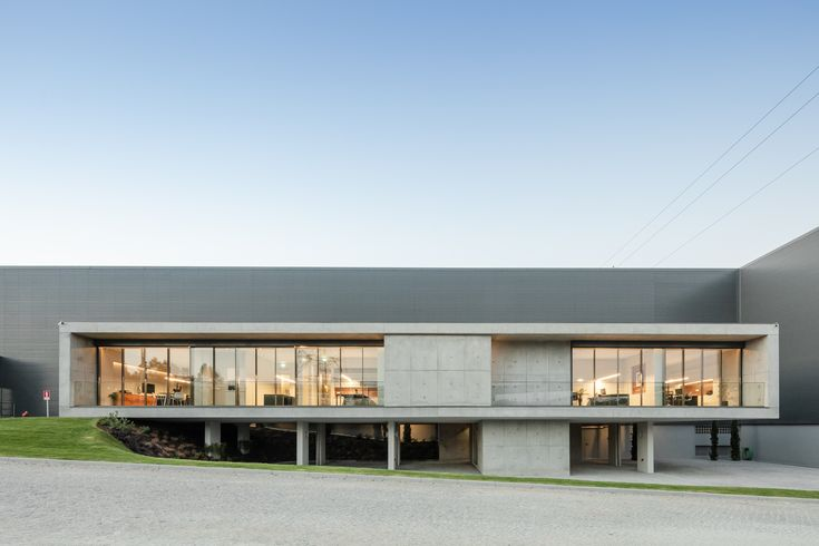 FACOL Offices / Ana Coelho Arquitectura