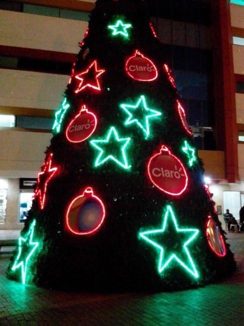 Árbol de Navidad por el Centro Comercial Centro Uno. #ClaroColombia #CartagenadeIndias