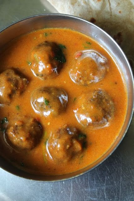 Cauliflower Kofta Curry / Gobi Kofta Curry / Caulilflower Koftas Cooked in a Creamy Tomato Sauce
