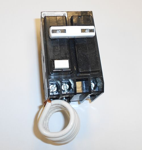 GE - THQL2140GFT 40A 120/240V Self-Testing 2-Pole GFCI Plug-In Circuit Breaker