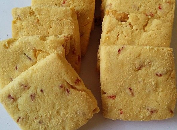 Fruit Biscuit Other Dry Fruits Enjoy Fresh Taste Of Fruit Biscuit From Dryfruitbasket Fruit Biscuit Is Of Good Quality Good For Health A Fruit Biscuits Fruit Diet Food