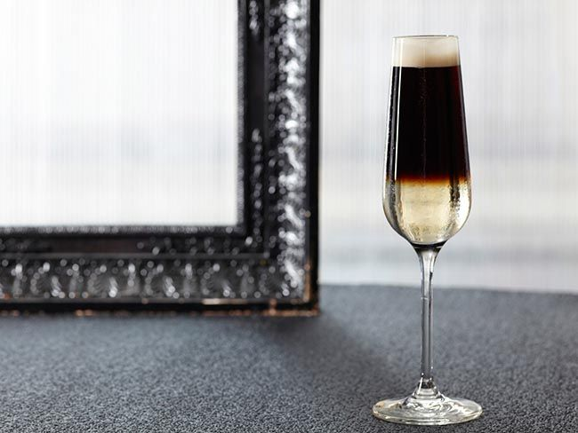 Guinness' classic Black Velvet Cocktail recipe~ Indulge yourself in this champagne Guinness cocktail invented in 1861.