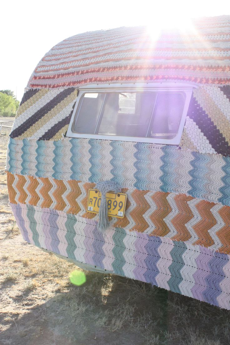 Knit bombed!! Awesome! @denisescanlon - make this for Larry's VW! Haha I'll bomb it with ya in the middle of the night!: Marfa Texas, Cute Crochet, Vintage Trailers, Knits Caravan, Crochet Trailers, Roads Trips, Yarns Bombs, Yarnbomb, Texas Roadtrip
