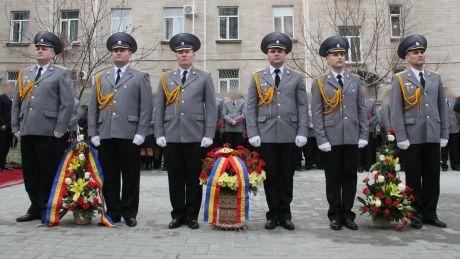 SIS a inaugurat un monument în memoria eroilor organelor securităţii statului, căzuţi în războiul de la Nistru (FOTO)