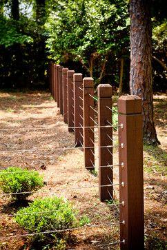 DIY Garden Fence Ideas to Keep Your Plants Safely  Tags: Easy DIY Garden Fence   DIY Garden Fence Plans   DIY Garden Fences Pallet   Small DIY Garden Fences