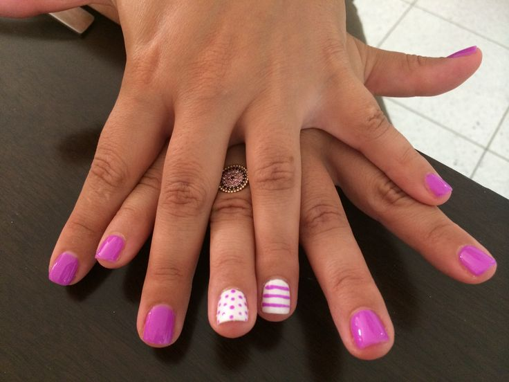 Purple & white polka dot/stripes nail art