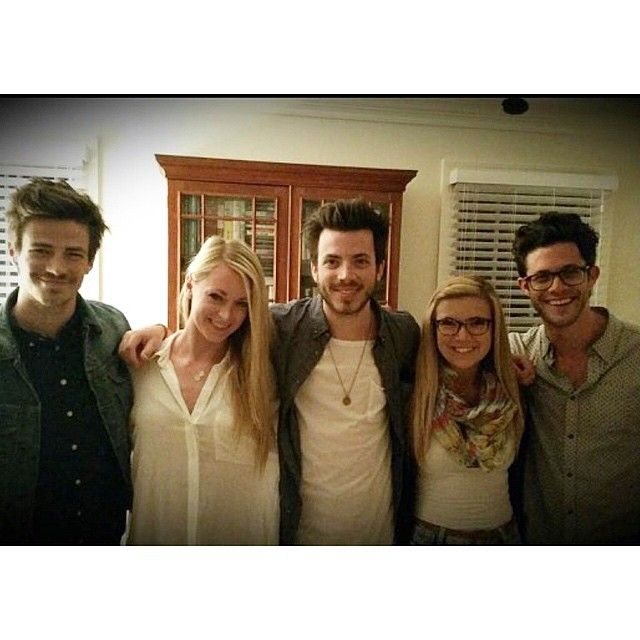 tylergust10 #siblingday shoutout to grantgust and gwaciegust . Oh look kmoolah and hannahdlaine are there too.