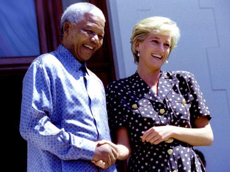 Diana rend visite à NELSON MANDELA _ 01 Mars 1997