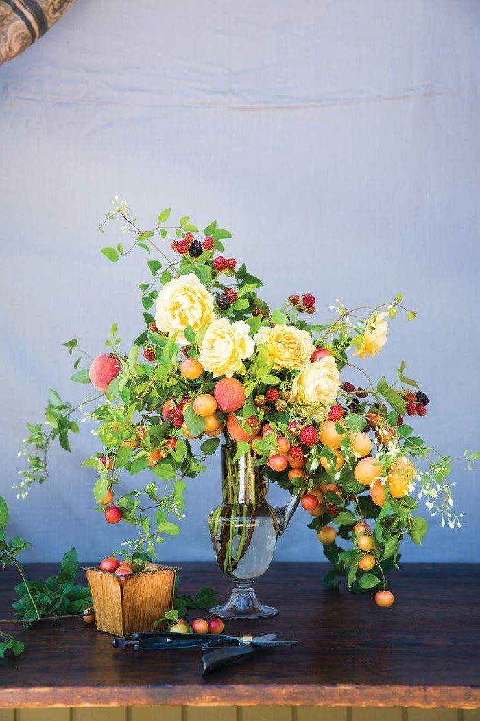1001 Ideas For Flower Arrangements To Decorate Your Home This Spring With Images Flower Arrangements Flower Bouquet Vase Beautiful Flower Arrangements