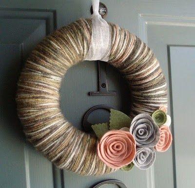 Yarn Wreaths | Carrie Loves