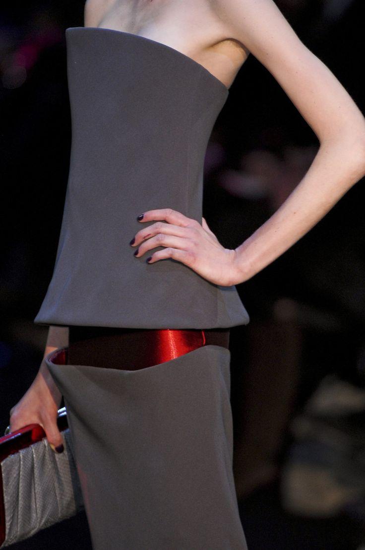 Top vestidos que he visto. Prueba rotunda de que dentro de la moda lo más importante es la arquitectura.