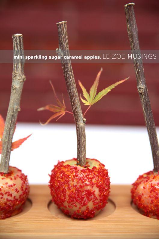Mini-prickelnde Karamell-Äpfel – Diese hübschen traditionellen Leckereien (nur in mundgerechten …   – Thanksgiving