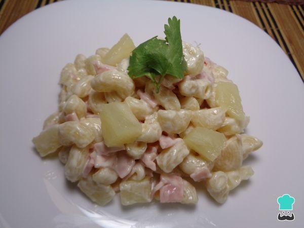 Receta de Ensalada de coditos con jamón y piña #RecetasGratis #Ensaladas #RecetasdeCocina #RecetasFáciles #EnsaladadePasta