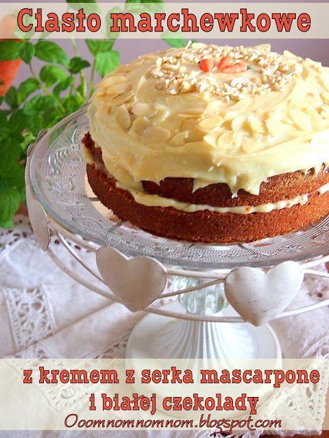 Ooomnomnomnom !: Najlepsze ciasto marchewkowe z orzechami i kremem z białej czekolady i mascarpone