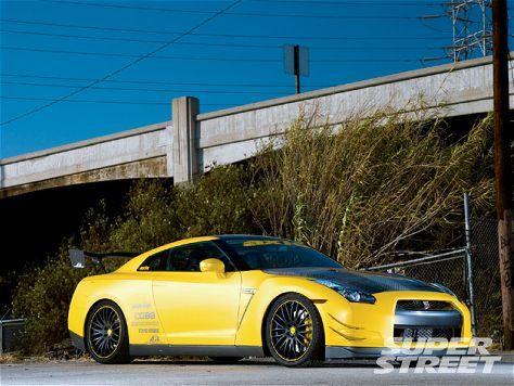 #yellow 2009 Nissan GTR
