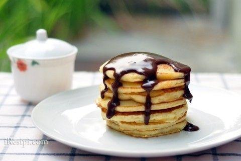 Pancake with Chocolate Gavy