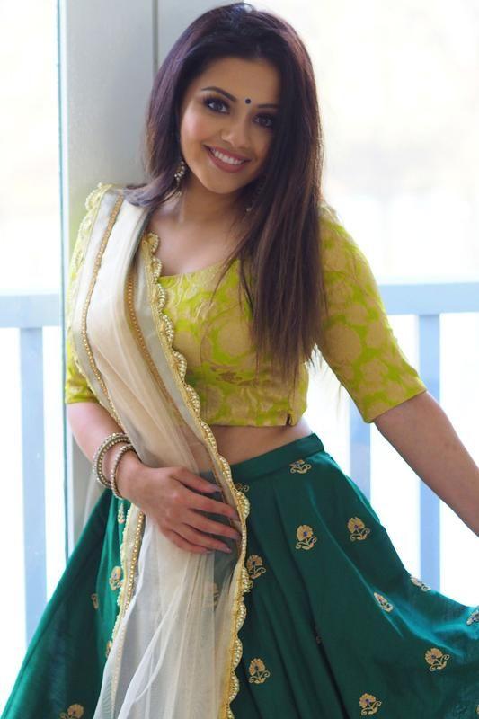 Sale ~ Kaushal Beauty x KV Brocade Lehenga