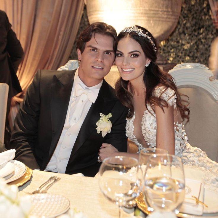 """105.3k Likes, 270 Comments - Ximena Navarrete (@ximenanr) on Instagram: """"Mi esposo 😍@jcvalladares #TeAmo #BodaXimenaYJc"""""""