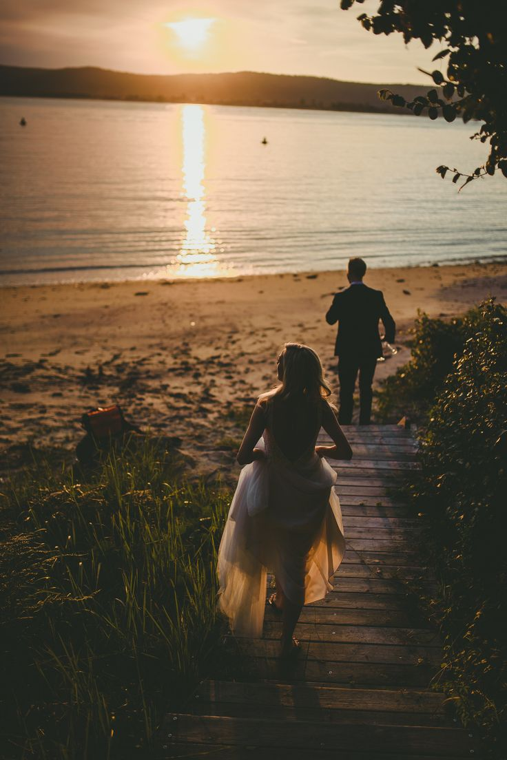 Chasing the sunset #wedding #photo #beach #sunset #afternoon #celebrate #love #marriage #photography #PC: @scottsurplicephotography