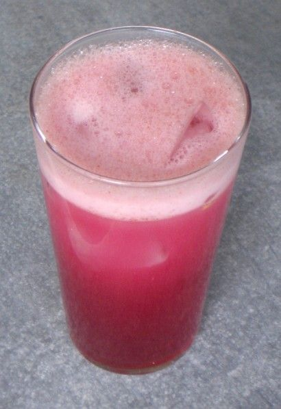 This is not a medical cure and I am not a doctor, but this home remedy has worked time and time again to sooth sore throats in our house.  1 whole Lemon  1 cup Pure Concord Grape Juice  1 cup Lemon-lime Soda  2 Tablespoons Honey  1 pinch Cayenne Pepper