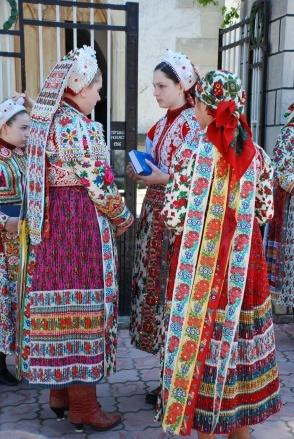 girls from Kalotaszeg