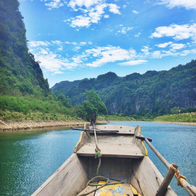 Boat to Phong Nha Cave, Vietnam   thekitchenpaper.com