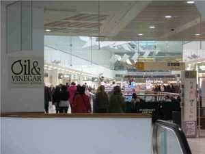 Shoppingfreunde kommen hier voll auf Ihre Kosten Die Innnenstadt von Glasgow bietet eine Vielzahl von Geschäften, Shopping-Passagen und Einkaufszentren. Wer jetzt aber erwartet einen Souven...