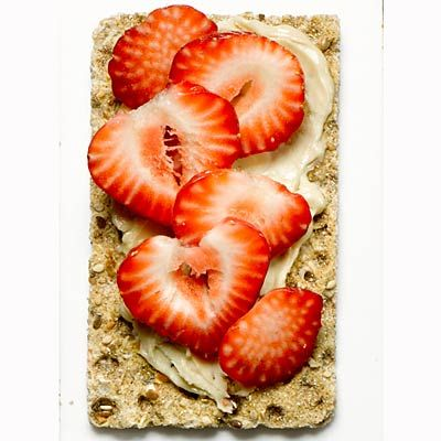 8 Nutty Snacks Under 80 Calories