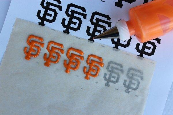 http://sweetexplorations.com/go-giants-a-k-a-baseball-cookies/