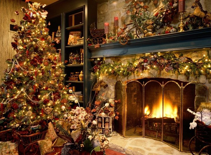 Lovely!Holiday, Christmas Time, Decor Ideas, Old Fashion Christmas, Christmas Fireplaces, Decorating Ideas, Christmas Decorations, Christmas Trees Decor, Country Christmas